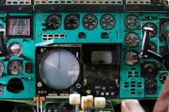 Interno della cabina di aerei con il pannello fotografia stock libera da diritti