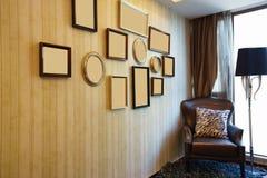 Interno della Camera con la cornice piacevole Fotografia Stock
