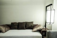 Interno della camera da letto o della camera di albergo Immagini Stock Libere da Diritti