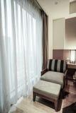 Interno della camera da letto o della camera di albergo Fotografie Stock Libere da Diritti
