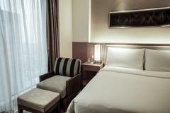 Interno della camera da letto o della camera di albergo Immagine Stock Libera da Diritti