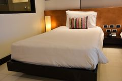 Interno della camera da letto o della camera di albergo Concetto dell'hotel Fotografia Stock Libera da Diritti
