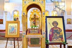 Interno della cattedrale della trinità santa tbilisi Immagine Stock Libera da Diritti