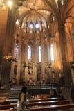 Interno della cattedrale di Barcellona della chiesa e dell'altare Fotografie Stock Libere da Diritti