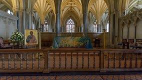 Interno della cattedrale di pozzi - altar maggiore Fotografia Stock