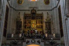Interno della cattedrale di Santa Maria la Real de la Almudena, pazza Immagine Stock