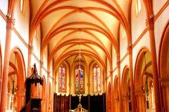 Interno della chiesa dei senones nei senones Francia fotografia stock