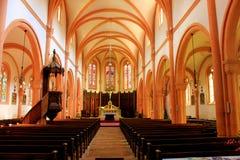 Interno della chiesa dei senones nei senones Francia fotografie stock