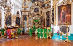 Interno della chiesa del fronte santo nel villaggio Mlevo Immagini Stock Libere da Diritti
