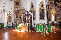 Interno della chiesa del fronte santo nel villaggio Mlevo Immagini Stock