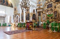Interno della chiesa del fronte santo nel villaggio Mlevo Fotografia Stock