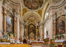 Interno della chiesa del san Giacomo e di Leonardo del san in Alta Badia - dolomia dell'Italia Fotografie Stock Libere da Diritti