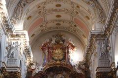 Interno della chiesa di St Ignatius a Praga Immagini Stock Libere da Diritti