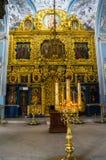 Interno della chiesa ortodossa antica dell'icona della nostra signora del segno, chiesa di Znamenskaya in proprietà terriera Dubr Immagine Stock Libera da Diritti