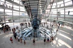Interno della cupola di Reichstag fotografie stock