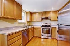 Interno della stanza della cucina in nuova casa Fotografie Stock