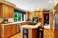 Interno di lusso della casa Stanza della cucina Fotografia Stock Libera da Diritti