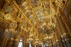 Interno di lusso di Garnier di opera a Parigi Immagini Stock Libere da Diritti