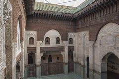 Interno di Madrasa Bou Inania in Meknes, Marocco Immagine Stock