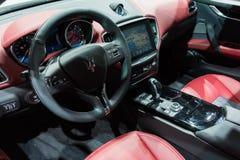 Interno di Maserati GranTurismo su esposizione immagine stock libera da diritti