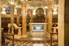 Interno di Milan Duomo Cathedral Fotografia Stock Libera da Diritti