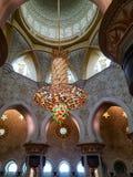Interno di Sheikh Zayed Grand Mosque in Abu Dhabi, il capitale Immagini Stock Libere da Diritti
