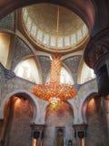 Interno di Sheikh Zayed Grand Mosque in Abu Dhabi, il capitale Fotografie Stock