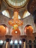 Interno di Sheikh Zayed Grand Mosque in Abu Dhabi, il capitale Fotografia Stock
