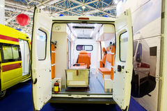 Interno di un'automobile vuota dell'ambulanza Fotografie Stock