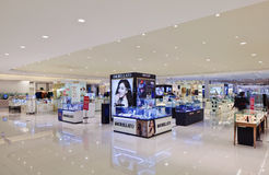 Interno di un centro commerciale lussuoso, Shanghai, Cina Immagini Stock Libere da Diritti