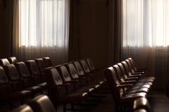 Interno di un palazzo del congresso, pubblico fotografie stock