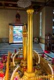 Interno di un tempio buddista a Bangkok Fotografia Stock Libera da Diritti