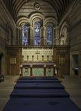Interno di una cappella con incorniciatura di legno Fotografia Stock