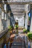 Interno di una costruzione abbandonata Fotografia Stock