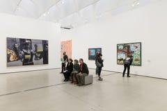 Interno di vasto Art Museum contemporaneo immagine stock libera da diritti