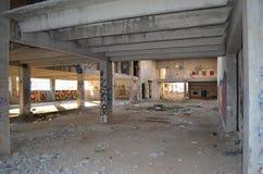 Interno di vecchia costruzione abbandonata Fotografia Stock Libera da Diritti
