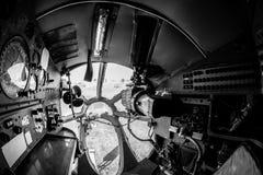 Interno di vecchio aereo con il pannello di controllo Fotografia Stock Libera da Diritti