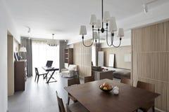 Interno domestico elegante e comodo Fotografie Stock Libere da Diritti