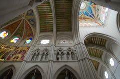 Interno e celling della cattedrale di Madrid Immagine Stock Libera da Diritti