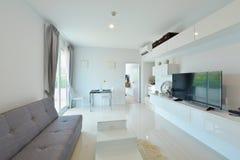 Interno e decorazione viventi moderni di lusso bianchi, DES interno Immagine Stock