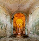 Interno e dettaglio dell'abbazia del san Amand de Coly nella P immagine stock libera da diritti