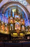 Interno ed altare della basilica di Notre-Dame di Montreal - Montreal, Quebec, Canada Immagine Stock Libera da Diritti