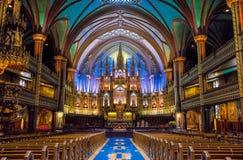 Interno ed altare della basilica di Notre-Dame di Montreal - Montreal, Quebec, Canada Fotografia Stock