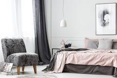 Interno femminile elegante della camera da letto Fotografia Stock Libera da Diritti