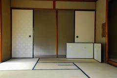 Interno giapponese d'annata della casa di zen immagini stock