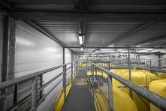 Interno industriale con il silos saldato Fotografia Stock