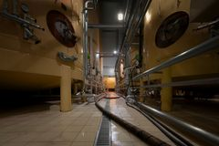 Interno industriale con il silos saldato Immagini Stock Libere da Diritti