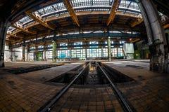 Interno industriale scuro fotografia stock libera da diritti