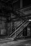 Interno industriale scuro di una costruzione fotografia stock libera da diritti