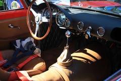 Interno italiano classico dell'automobile sportiva all'evento fotografie stock